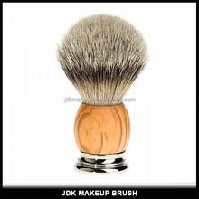 Silvertip Badger Mens Shaving Brush with Metal Base