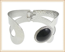 Silver tone Swirl Vented Open Hinged Metal Cuff Black Acrylic Bead Bangle Fashion Jewelry