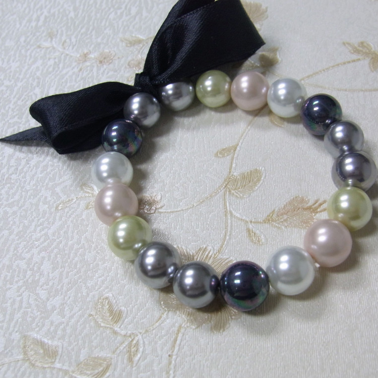multicolor pearl bracelet with bowknot ribbon.jpg
