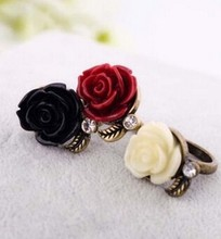 Retro style set auger roses Female ring