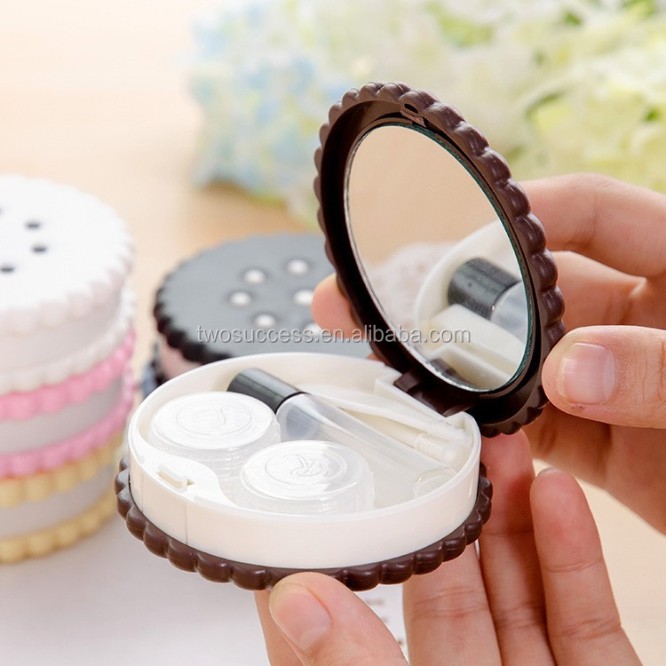 Sesame crackers contact lens case (4)