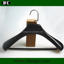 FW-1392 Solid wood suit hanger with locking bar
