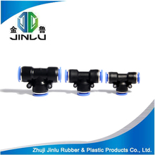 Plastic quick connect pneumatic pipe fitting