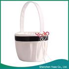 Estilo ocidental White Flower Girl Basket para o casamento