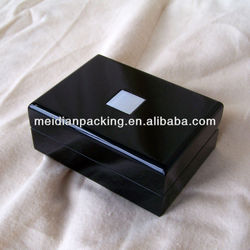 Black wooden lacquer gift box on wholesale