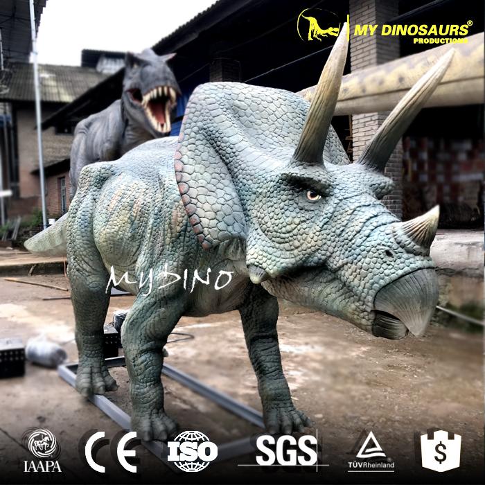 animatronics triceratops.jpg