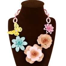 Hot-Selling Color Butterfly Flower Acrylic Pendant Necklace