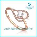 Corazón en forma de anillos de oro de diseño para mujeres con precio