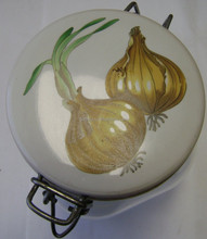 Glass Canning Jar with Latch Lid - Onions painted on lid