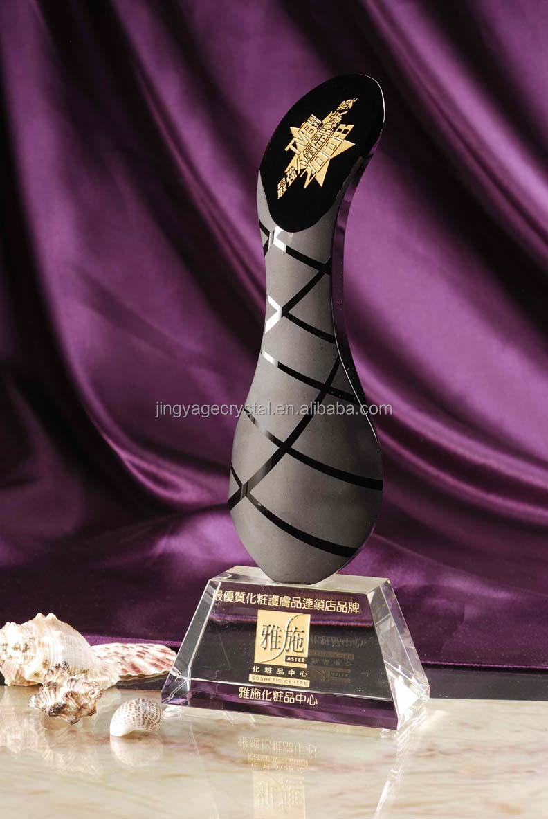 Unique Modeling Lux Crystal Awards