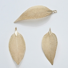 China Manufacture Brass Gold Plated Natural Leaf Pendant
