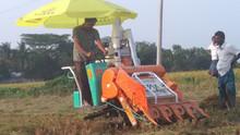 Mini Combine Harvester Small Crawler Advanced Monitoring Small Tractor Harvester