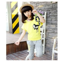 Fashion girl t shirt with white black dot printing and animal embroidery