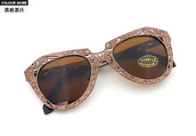 254 ewhxyj 8972 new European and American big stars hollow elegant ladies sunglasses sunglasses cat out necessary