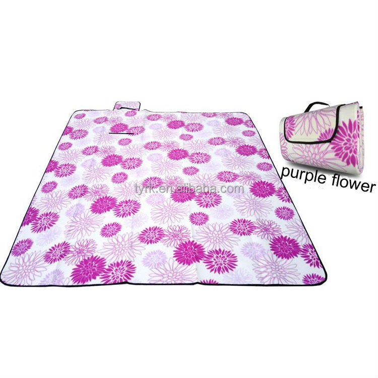 The Mainstays LawnThe Mainstays LawnBlanketis ideal for aThe Mainstays LawnThe Mainstays LawnBlanketis ideal for apicnic, sporting event or any other outing. Its bold colors are attractive to the eye while its 100 percent polyester, water