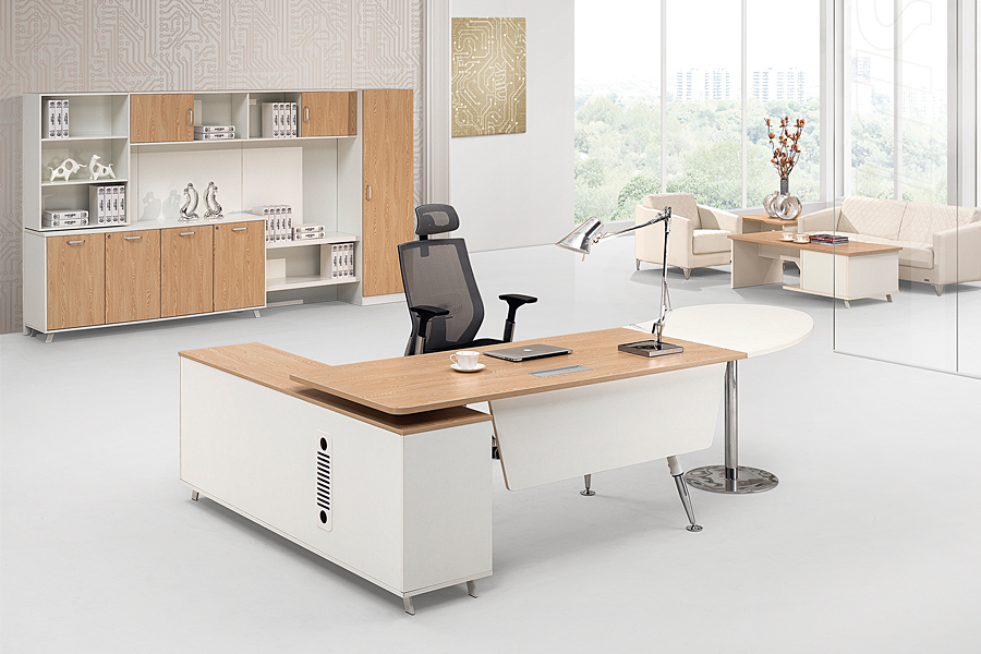 boss design mobili per ufficio con il computer da tavolo