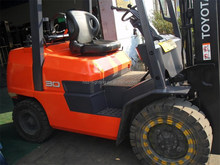 used but good Toyota 3 ton forklift, FD30 with low price and abundant stock