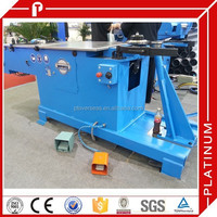 Duct elbow forming machine for spiral round duct