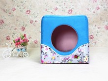 The new dog supplies good pet house Folding dual-purpose dog kennel Fashionable floral pet Waterloo