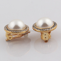 Unique design gold plated plastic pearl handmade stud traditional earrings for women