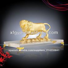 león de metal suvenior