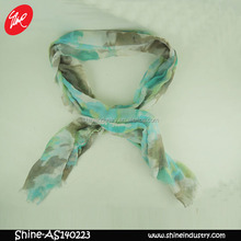 The spring and autumn period and the dual printing korea polyester scarf