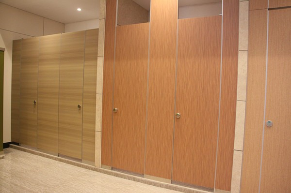 composite board toilet cubicle 5 .jpg