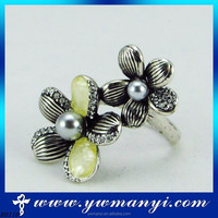 New fashion colored resin stainless steel two flowers pearl fire opal ring with wholesale