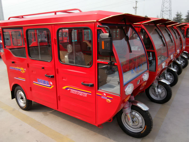 China Manufacturer Passenger Tricycle 3 Wheel Gas Taxi For