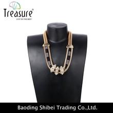 Personalidade de ouro liga diamante cobra colar