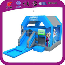 2015 hot sale kids favorite inflatable Frozen castle with slide pool