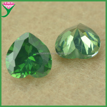 high quality Heart shape emerald green cubic zirconia synthetic diamond