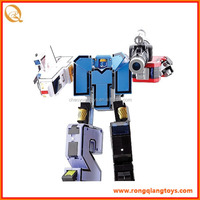 New design number 1 to 5 transform robot with a weapon RB81402023