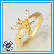 Barato venta al por mayor zircon libélula anillos plateados oro anillos en forma de animales