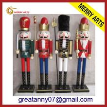 Alibaba China supplies custom 3ft 90cm wooden soldier nutcracker handicraft decorative nutcrackers for party