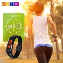 2015 colorful soft band sports watch lcd silicone