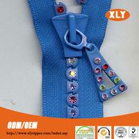 low price all kinds of industrial plastic diamond/rhinestone zipper