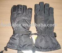 winter outdoor ski gloves with inner gloves inside