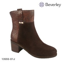 Chengdu Manufacture Women Shoes Winter Real Leather Ankel Boots