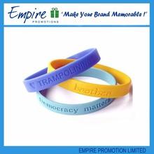 Wholesale popular cheap thin silicone wristband
