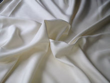 hand soft smooth pearly luster china bosky silk fabric form high tech machine for silk blanket