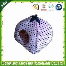 2015 Yang Yang woven fabric strawberry cat bed