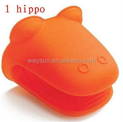 hippo Mickey dog 3 model mouth Pliable Silicone Pot Holder Silicone glove Oven mitt heat insulation gloves