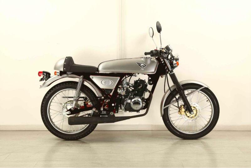 SKYTEAM EEC ACE 50CC CAFE RACER MOTORCYCLE (DREAM REPLICA)