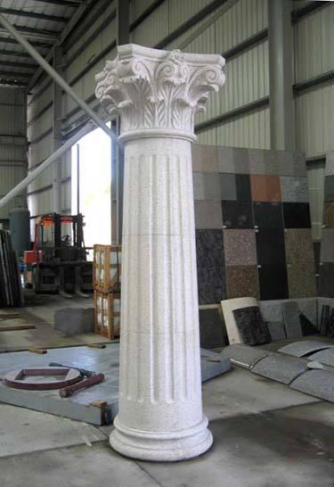 Decorativi cancello pilastro di marmo, balaustra di pietra e le ...
