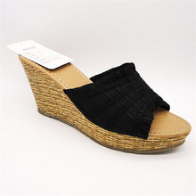 New beautiful casual shoes for men and women lovers