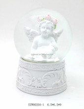 Creative Fashionable Snow Globe For Sale Made In China