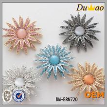 Colourful brooch metal brooch bulk rhinestone brooches