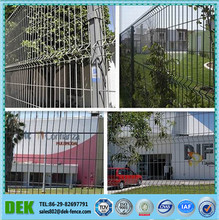 Galvanized Green Vinyl Coated Welded Wire Mesh Industrial Fence