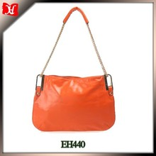 The hot selling women's leather bag the single strap shoulder bag tge handbag with chain handle